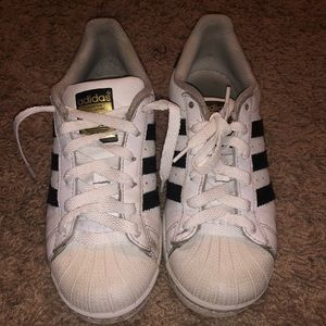Classic shell toe adidas shoes superstar